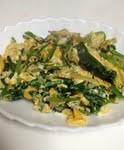 「ほうれん草と卵のにんにく・しょうが炒め」レシピ